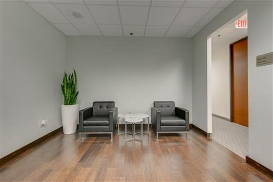 Suite 641 / 260 SF/ $508 + Electricity