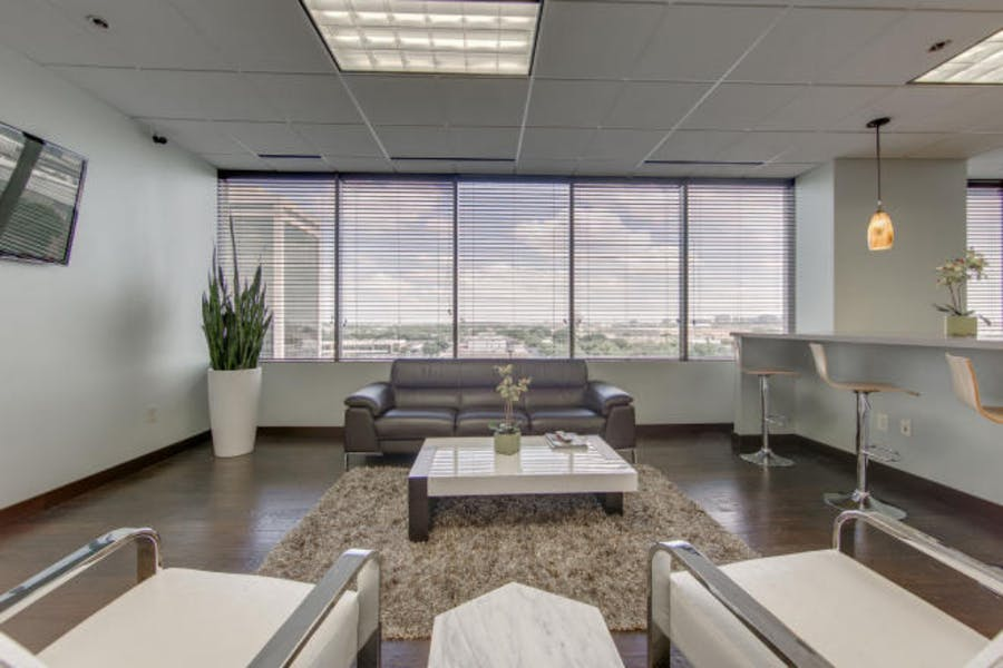 Suite 663 / 178 SF/ Negotiable