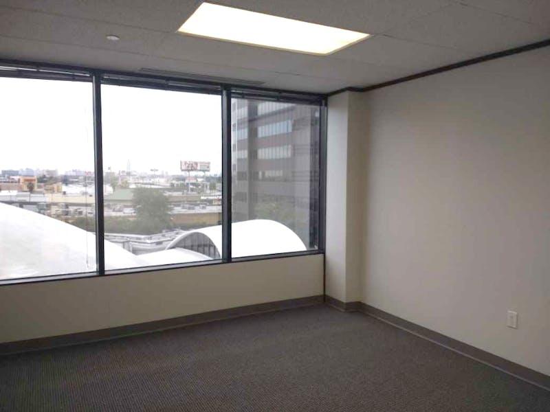 Suite 2-0460R / 366 SF/ $633 + Expenses