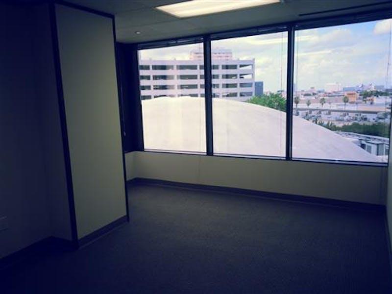 Suite 2-0460T / 372 SF/ $543 + Expenses