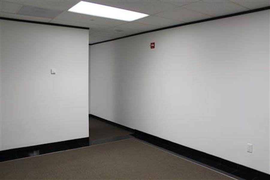Suite 2-0570 / 592 SF/ $819 + Expenses