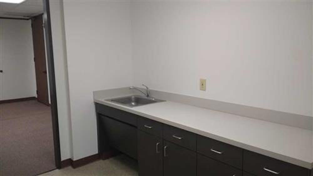 Suite 2-0938 / 3,908 SF/ $5,562 + Expenses