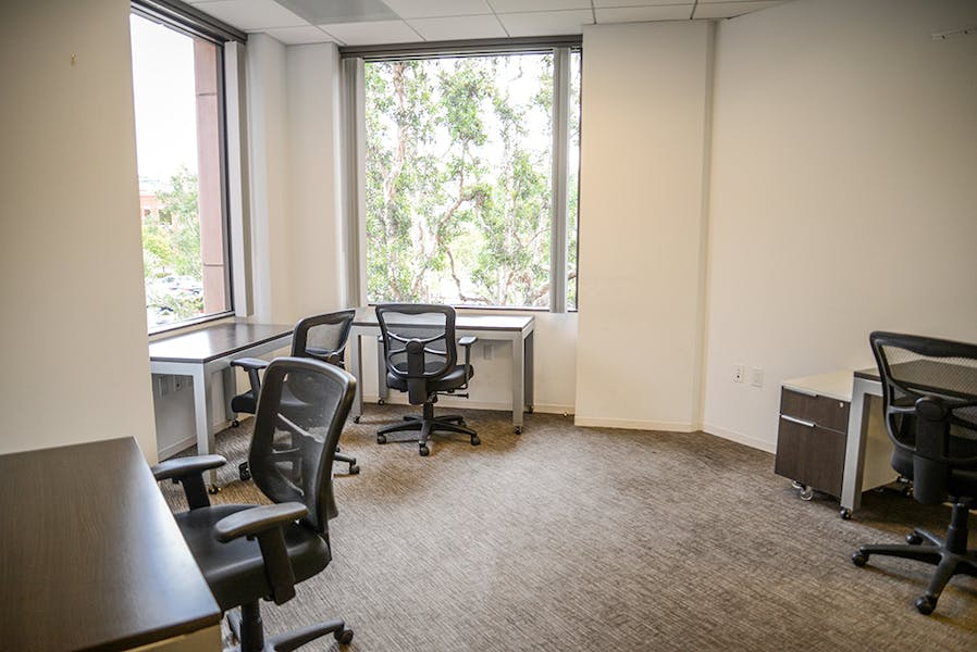Flexible Private Office Space at 23 Corporate Plaza