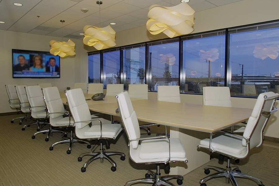 Business Workspaces and Meeting Rooms at Manhattan Towers
