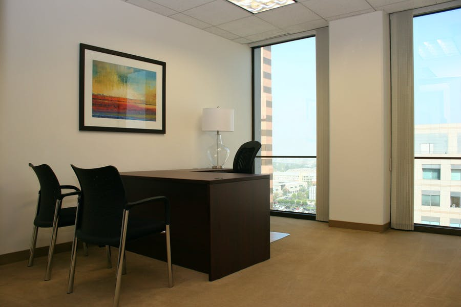 Business Workspaces and Meeting Rooms at Oceangate