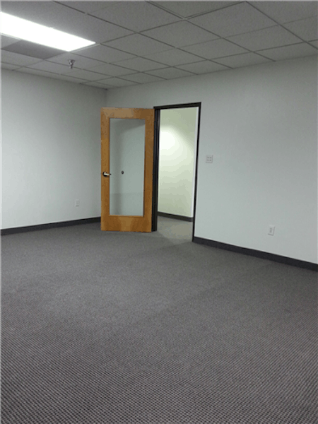 Suite 3200 / 890 SF/ Negotiable