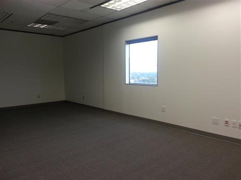 Suite 1006 / 1,287 SF/ Negotiable