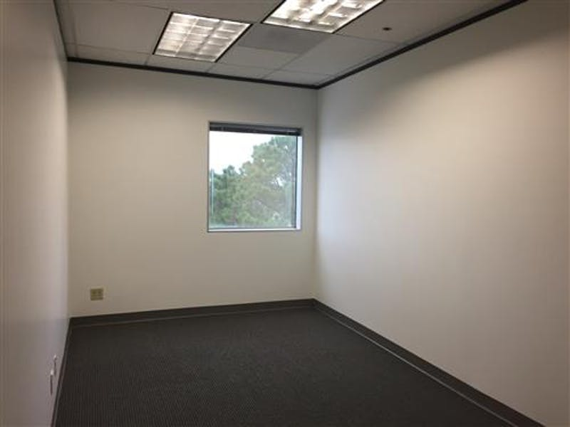 Suite 875 / 1,131 SF/ Negotiable