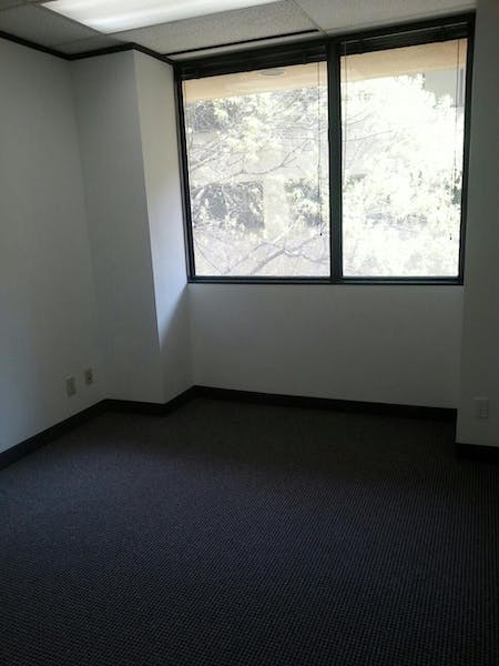 Suite B305 / 690 SF/ $1,045 + Electricity
