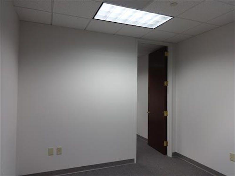 Suite 400A / 566 SF/ $1,203