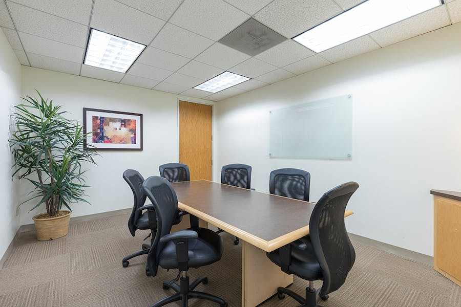 CoWorking & Flexible Office Space at 400 Corporate Pointe