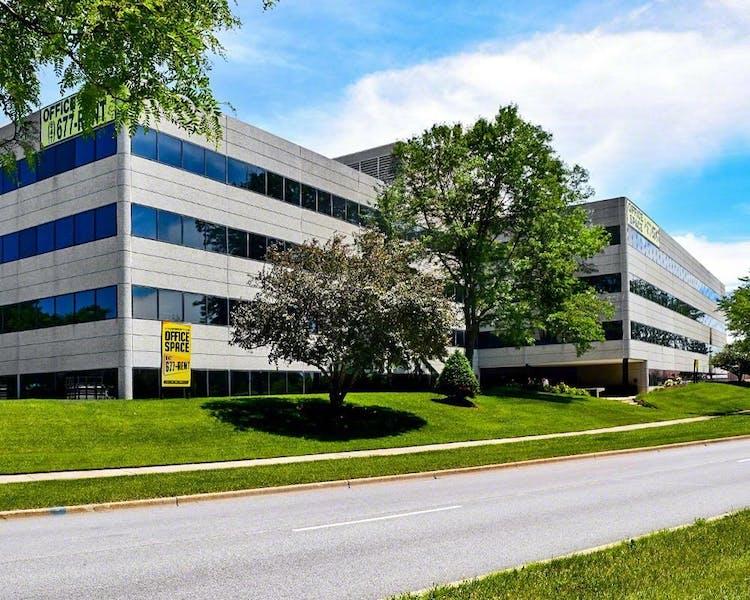 Fox Valley Executive Center