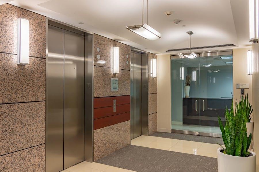Suite Sublease 210 thru 5/31/23 / 2,724 SF/ $4,086 + Electricity