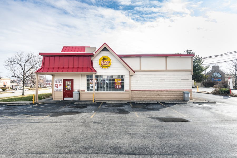 Free Standing Restaurant For Lease on Richmond Road
