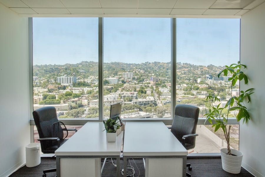 Suite SUBLEASE - 1550 / 10,495 SF/ $51,950 + Expenses