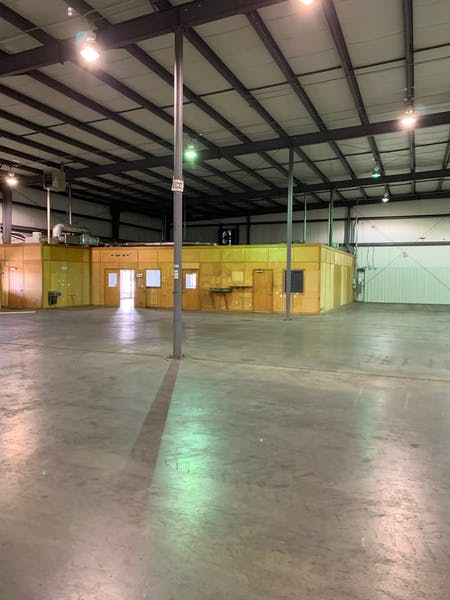 25,500 Distribution Warehouse
