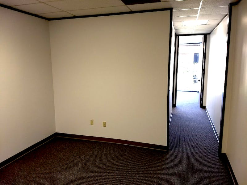 Suite A270 / 572 SF/ $667 + Expenses