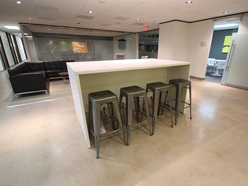 Suite 2-0460I / 435 SF/ $634 + Expenses