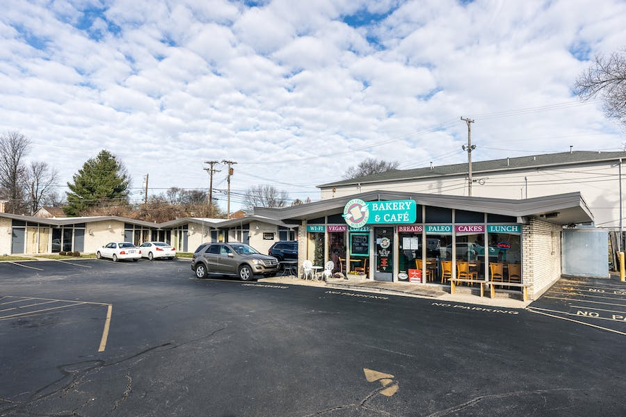 B-1 Retail Space Just off Nicholasville Road