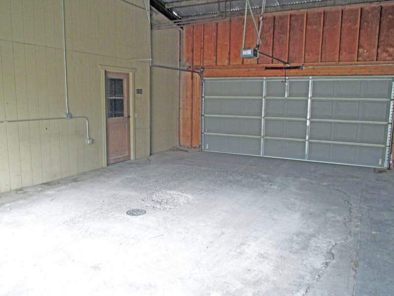 Fully Remodeled 1st Class Office Spaces in Central Tulare