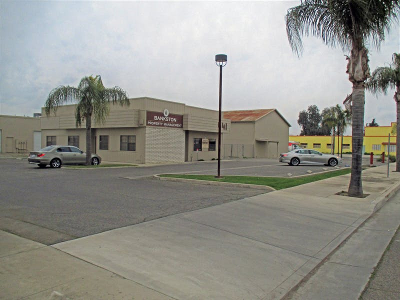 Like-New Freestanding Industrial Buildings - Central Tulare