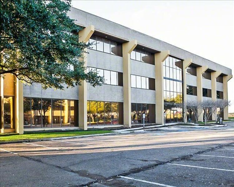 Lyndon Office Plaza